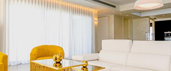 Transparent curtains in the bedroom Dubai